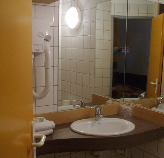 HOTEL HELIOS MABLY (42)