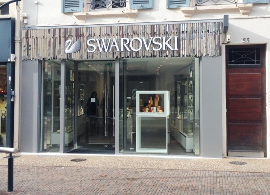 CREATION D'UN MAGASIN SWAROVSKI (42) ROANNE