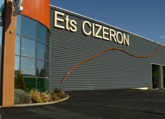 EXTENSION ET RESTRUCTURATION D'UNE UNITE DE PRODUCTION DES ETABLISSEMENTS CIZERON A BRIENNON (42)